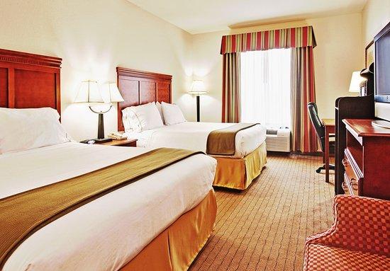 Dyersburg, TN: Double Bed Guest Room