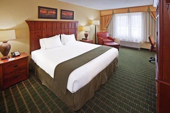 Holiday Inn Express and Suites Springfield - Downtown