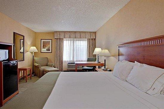 Colton, CA: Queen Bed Guest Room