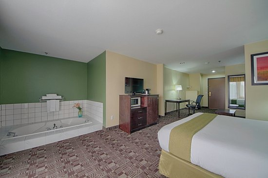 Солана-Бич, Калифорния: Holiday Inn Express Solana Beach Newly Renovated Jacuzzi Suite