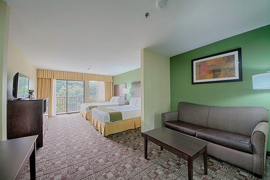 Solana Beach, CA: All of our suites are equipped with a brand new Sleeper Sofa