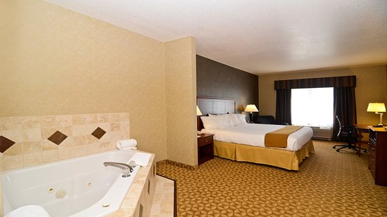 Fort Atkinson, WI: Whirlpool Suite