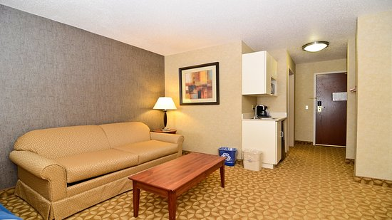 Fort Atkinson, WI : King Executive Suite