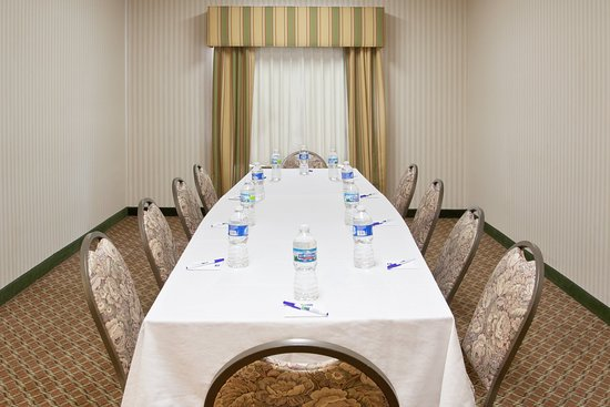 Holiday Inn Express & Suites Ex I-71/ Oh. State Fair/Expo Center: Enjoy a private get together in our boardroom.
