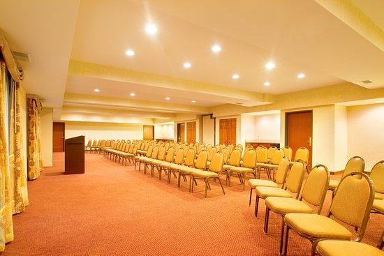 Holiday Inn Express Bourbonnais (Kankakee / Bradley): Host your next meeting or function in our Meeting Room