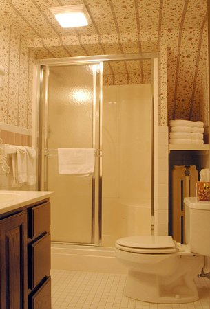 New Canaan, CT: Two Bedroom Suite Bathroom