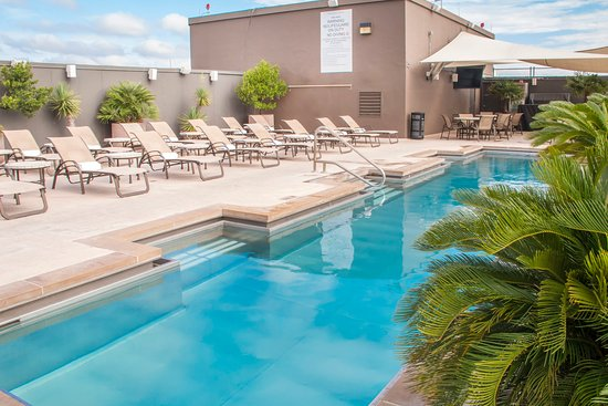 The driskill 1 9 0 159 updated 2017 prices hotel for Affordable pools ri
