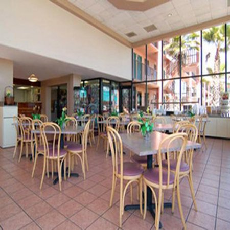 Quality Inn & Suites Kissimmee by The Lake: Restaurant