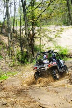 Carnegie, Pensilvania: ATV riding at Mines and Meadows ATV Park in Wampum, PA