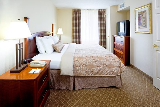 Staybridge Suites Cranbury: Suite