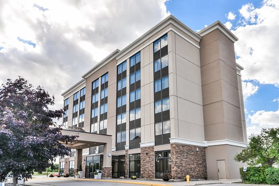 Holiday Inn Kitchener: Hotel Exterior