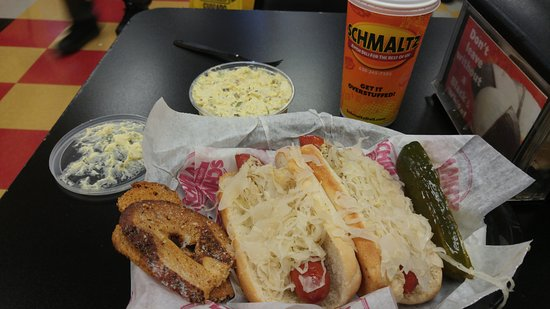 Schmaltz Delicatessen: Incrediable Hot Dogs