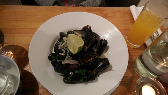 Fenton's Of Dingle: Mussels and Black Angus
