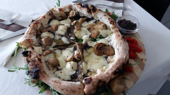 Le Cirke : pizza porcini e tartufo