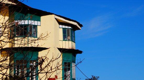 Hotel Broadway Mussoorie Photo