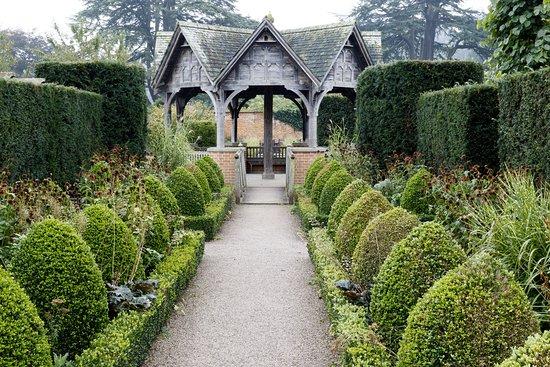 Leominster, UK: Hampton Court Castle - Gazebo
