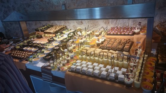 Mar Senses Puerto de Pollença: Some of the buffet display for evening meal
