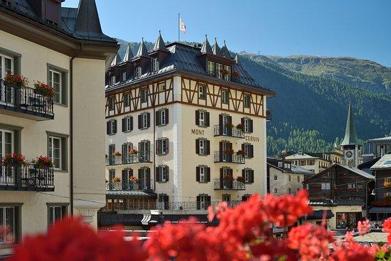 Hotel Mont Cervin Palace: Exterior