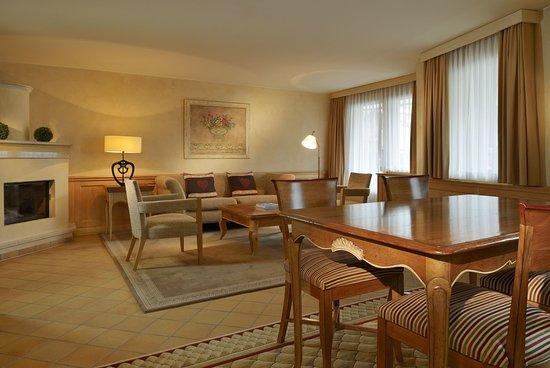 Hotel Mont Cervin Palace: Family Suite Bedroom
