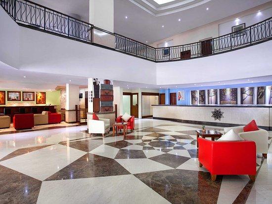 Arcadia Surabaya Hotel: Lobby