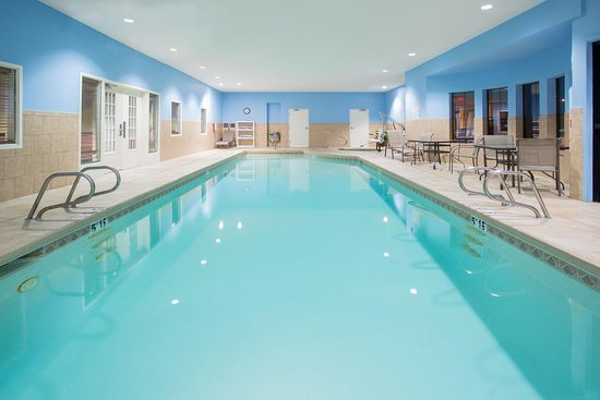 Hampton Inn Santa Rosa : Indoor Pool
