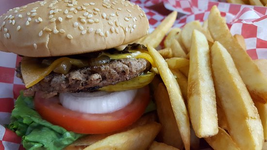 Williams Lake, Canada: Gourmet Willy Burger