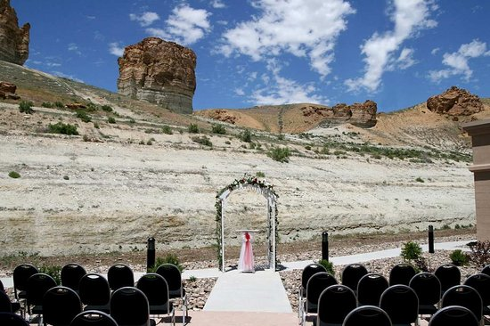 Green River, WY: Outdoor Weddings