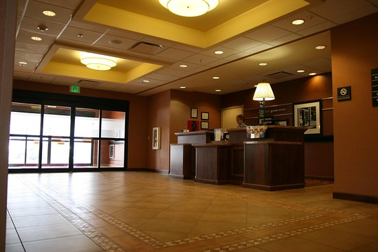 Green River, WY: Lobby Entrance
