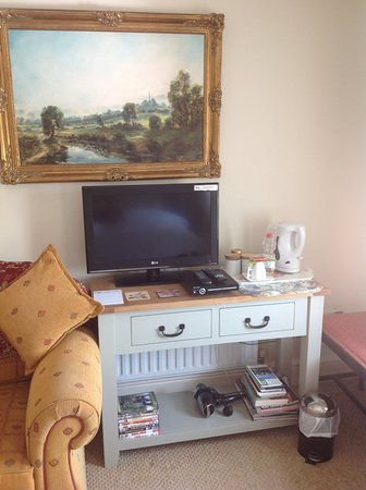 Ballybay, Ireland: Coffee tea facilities in all bedrooms