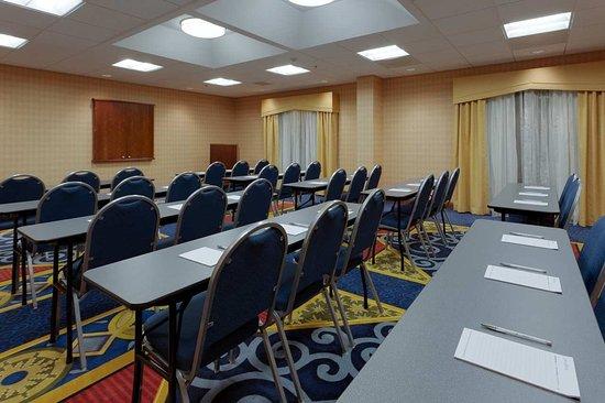 Warrenton, VA: Large Meeting Room
