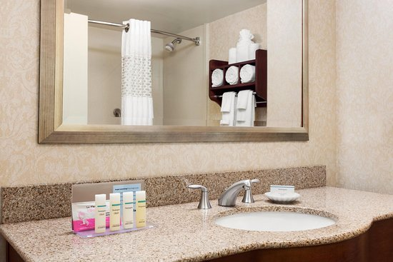 Уоррентон, Вирджиния: Guest Bathroom