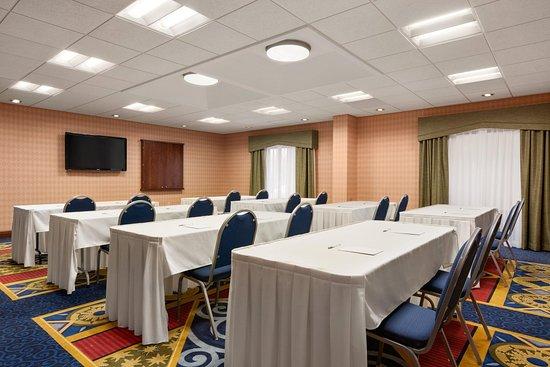 Warrenton, VA: Meeting Room