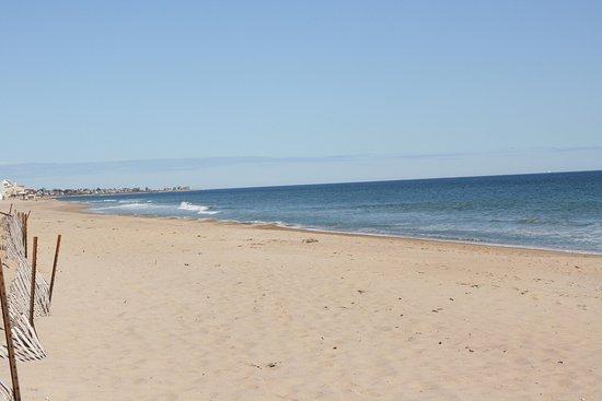 South Kingstown, RI: Misquamicut Beach
