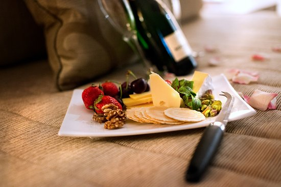 Rutherford, Australia: Room Service Cheese Board & Wine