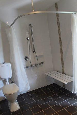 Rutherford, Australia: Accessable Bathroom