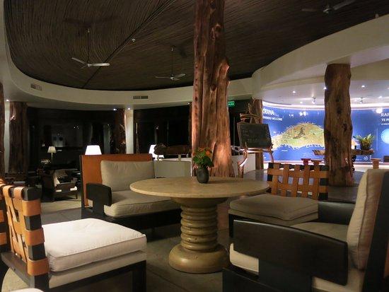 Hotel Hangaroa Eco Village & Spa: Lobby and Reception area