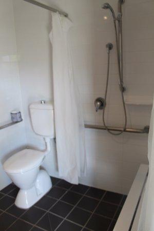 Rutherford, Australia: Accessible Bathroom
