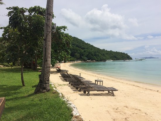 Two Seasons Coron Island Resort & Spa: Great view from island tip rooms.