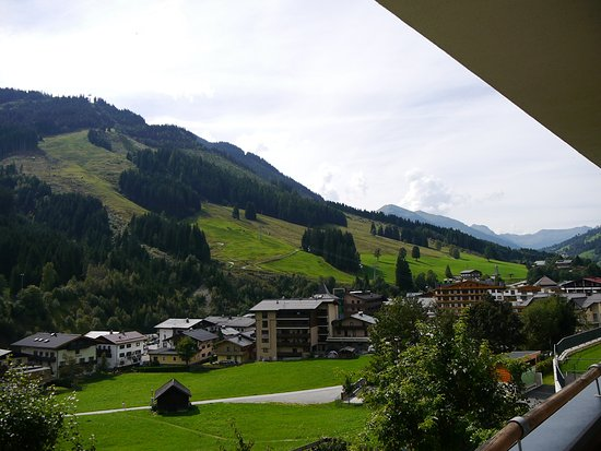 Kohlmais: View from balcony over to Saalbach