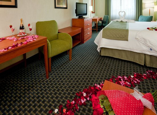 Holiday Inn Express Hotel & Suites Toluca Zona Aeropuerto: King Bed Guest Room