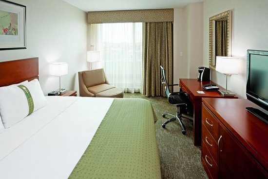 Holiday Inn L.I. City - Manhattan View: King Bed Guest Room has king size mattress with choice of pillows