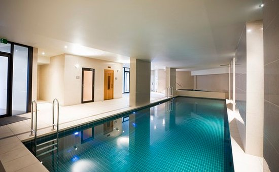 Mantra Sierra Grand: Indoor Swimming Pool