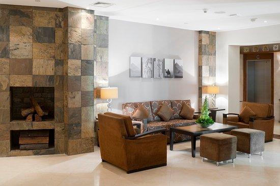 Staybridge Suites Cairo-Citystars: Hotel Lobby - Complimentary high speed Internet