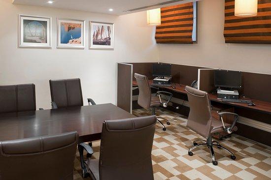Staybridge Suites Cairo-Citystars: Business Center