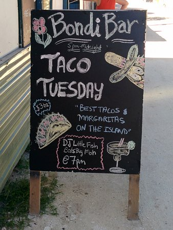 Tropical Paradise Hotel: Even in Belize they have Taco Tuesdays!!!!!!