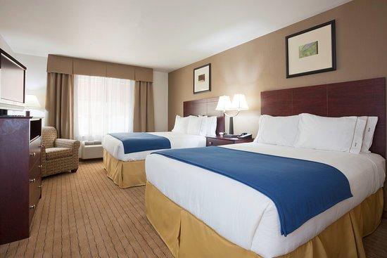 Holiday Inn Express & Suiites Antigo Dbl Queen Suite