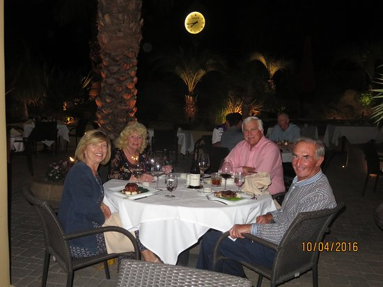 La Quinta, CA: A great atmosphere on the patio