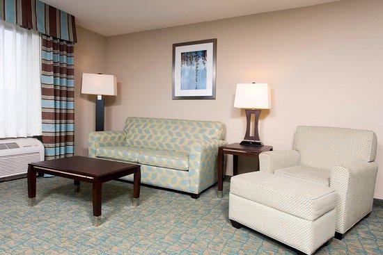 Crawfordsville, Индиана: Suite Sitting Area