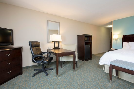 Crawfordsville, IN: King Guest Room