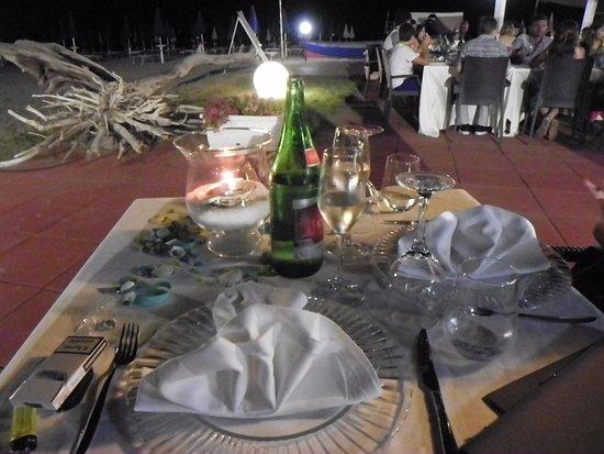 Gazebo in spiaggia foto di lido aurora corigliano calabro tripadvisor - Mare in tavola foggia ...
